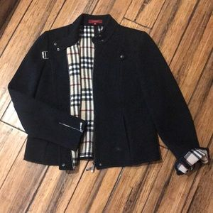 Burberry short fitted jacket